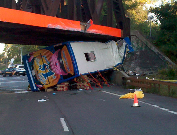 megabus-crash